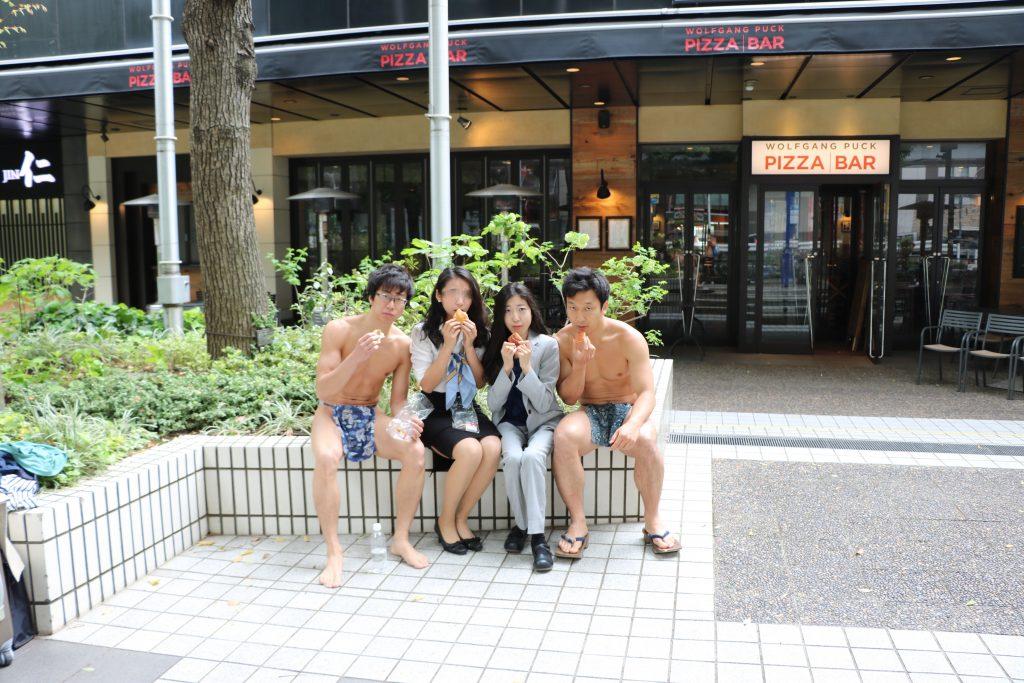 fundoshibu-eating-breakfast