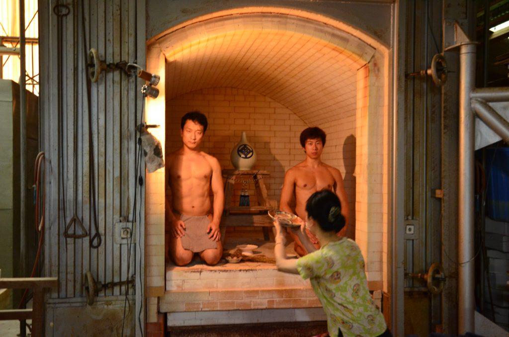 fundoshimans-with-setoguchisan-inside-the-porcelain-oven-3