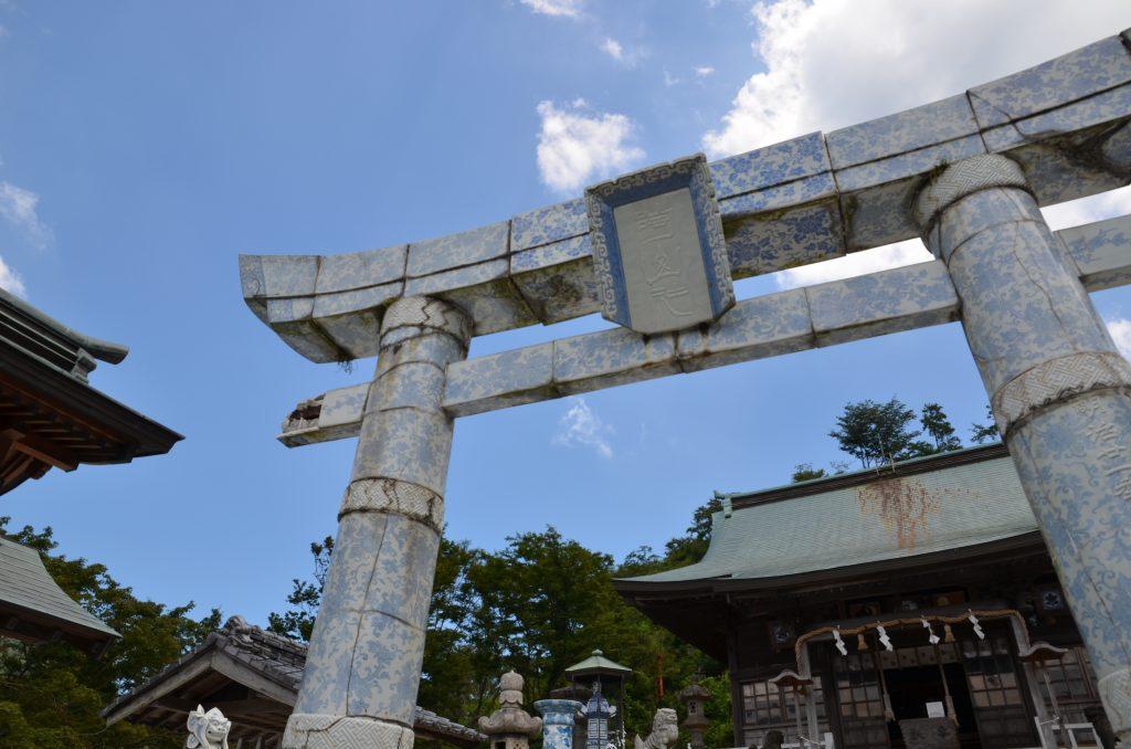 shinto-torii-made-of-ceramic
