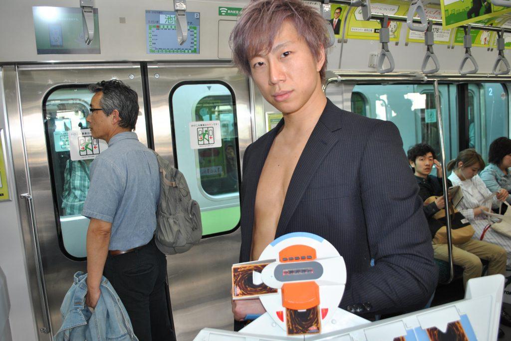fundoshi-duelist-in-train