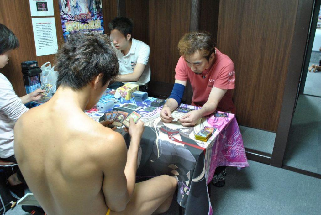 fundoshi-duealist-playing-3