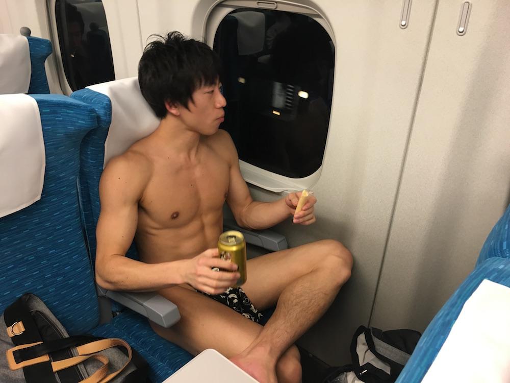 fundoshigentleman-shinkansen-1