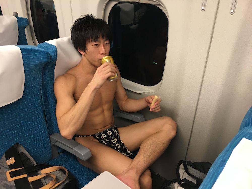 fundoshigentleman-shinkansen-2