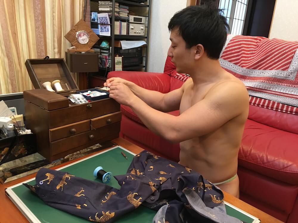 fundoshimuscleman-making-paulsmith-fundoshi-2
