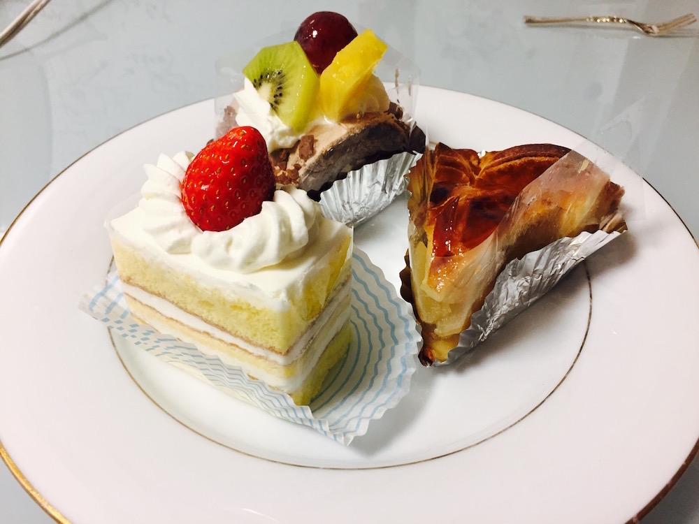 ohmiyayougashiten-cakes-bought