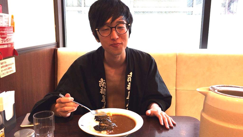 fundoshi-socrates-eating-5spicycurry-with-5sweet-topping-7
