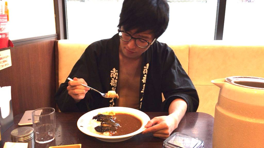 fundoshi-socrates-eating-5spicycurry-with-5sweet-topping-8