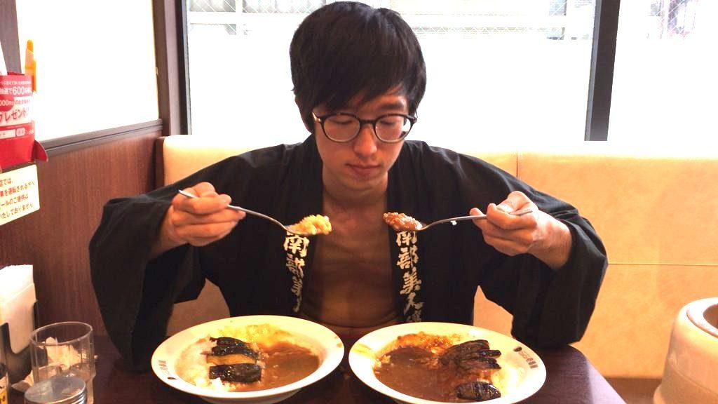 fundoshi-socrates-eating-bothe-sweetandhotcurry-1