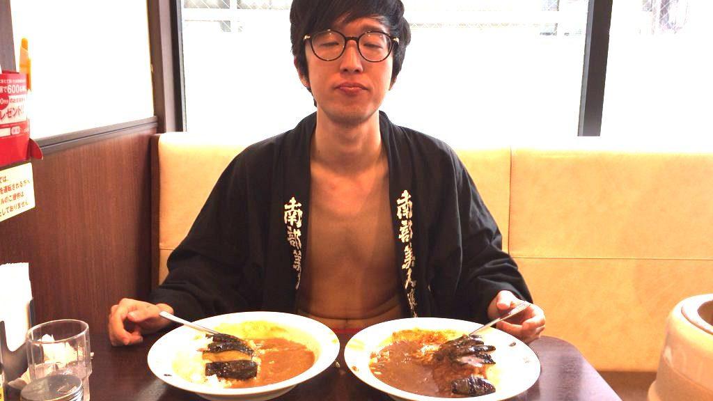 fundoshi-socrates-eating-bothe-sweetandhotcurry-4