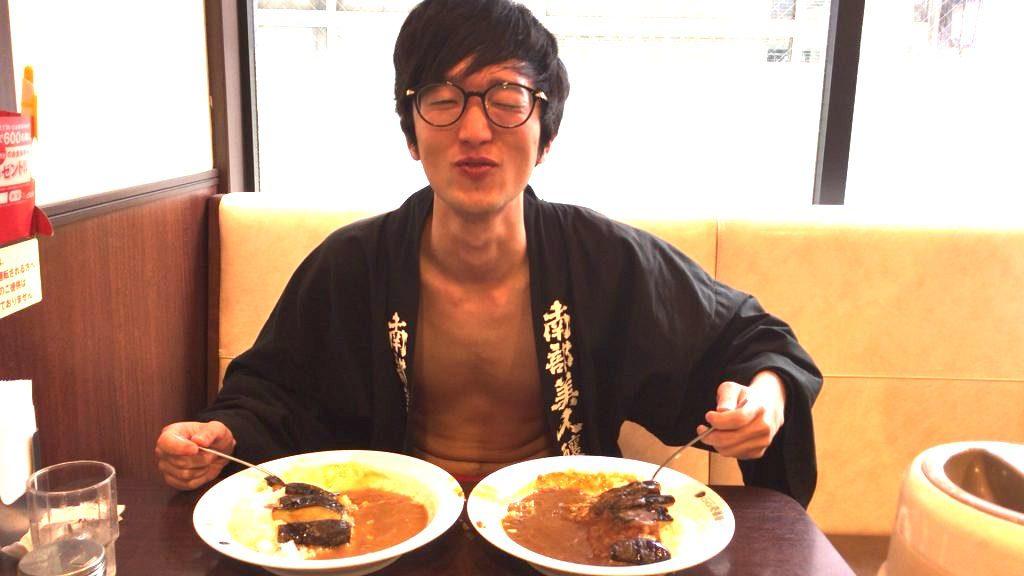 fundoshi-socrates-eating-bothe-sweetandhotcurry-5