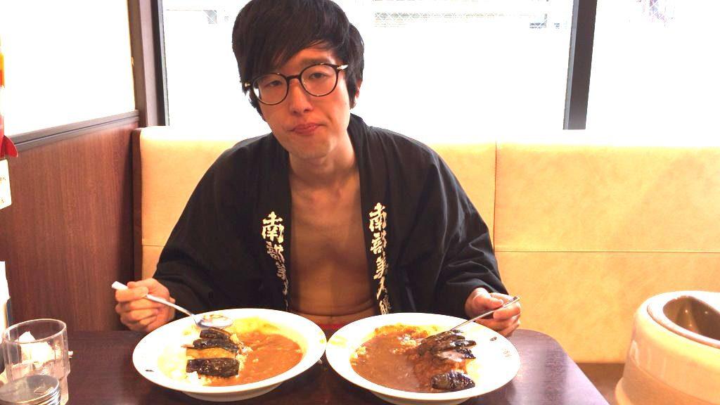 fundoshi-socrates-eating-sweetcurry-2